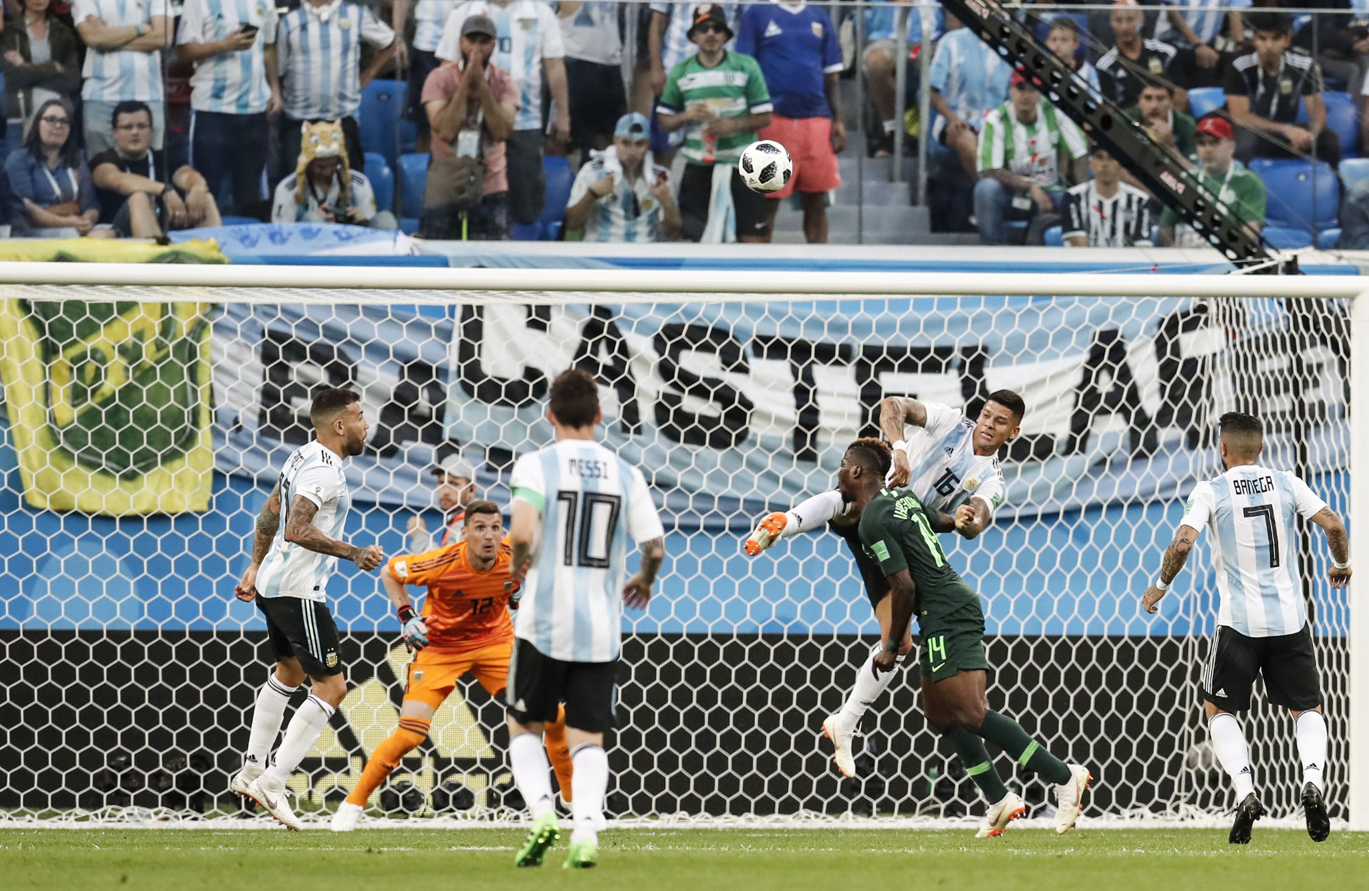 Arjantin'e Rojo hayat verdi!