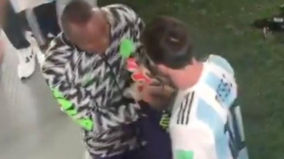 Bakın Messi'nin formasını kim aldı?