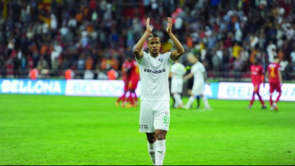 Bursasporlu Ekong'a flaş transfer teklifi