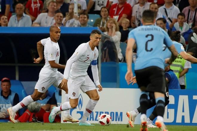 Uruguay, Portekiz'i 2-1 mağlup etti ve çeyrek finale yükseldi!
