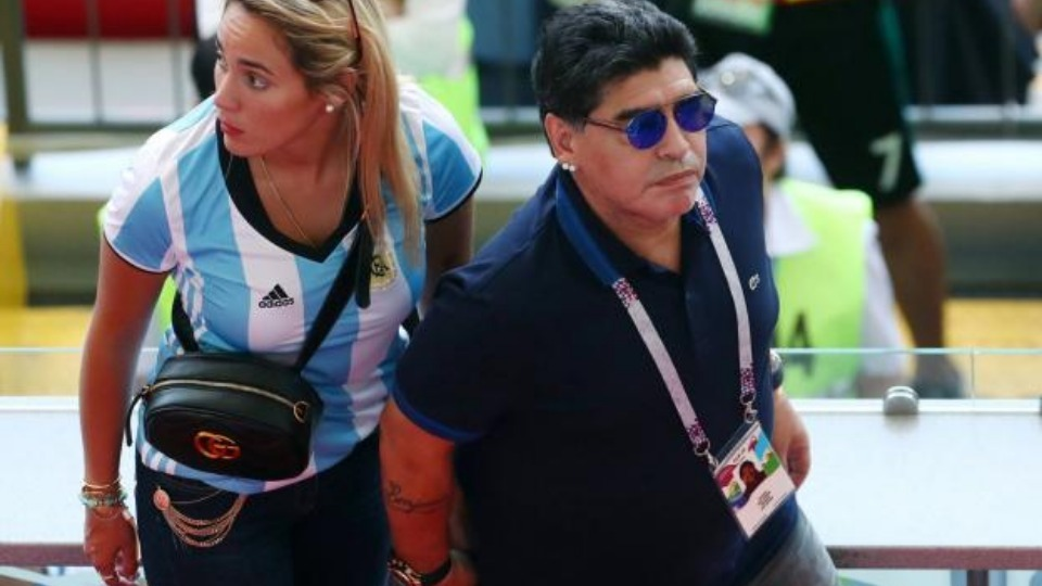 Maradona'dan Arjantin yorumu: 'Stattan çok sinemaya geldik çünkü...'