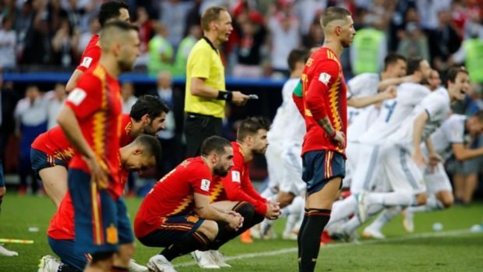İspanya'nın elenmesi ülkeyi ikiye böldü! Başarısızlığın suçlusu kim?