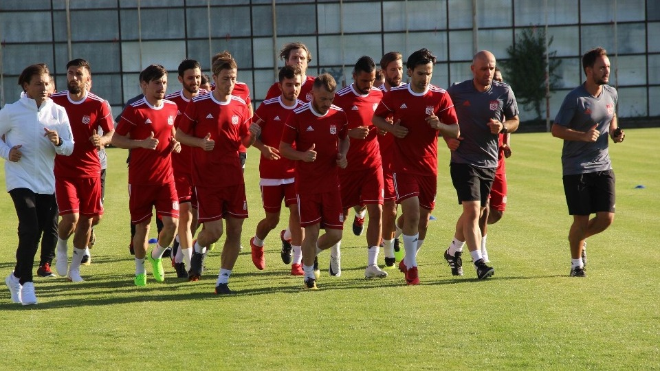 Sivasspor'da yeni sezon hazırlıkları başladı