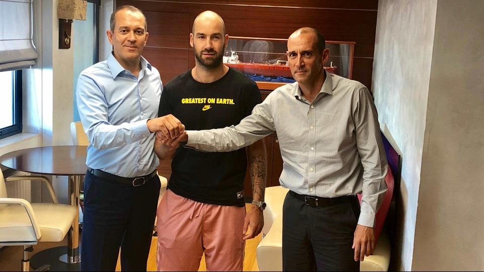 Olympiakos, Spanoulis ile uzattığını açıkladı