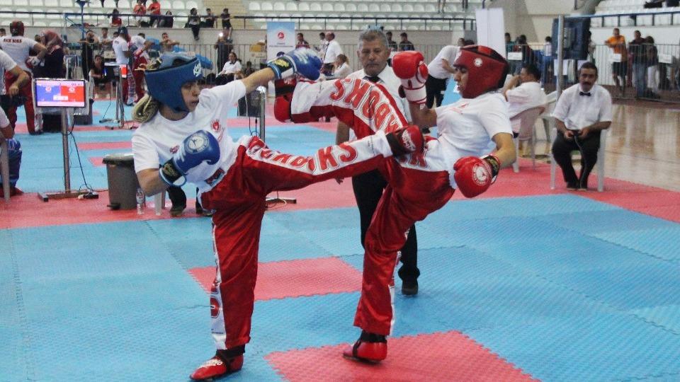 Türkiye Kick Boks Şampiyonası Elazığ'da başladı