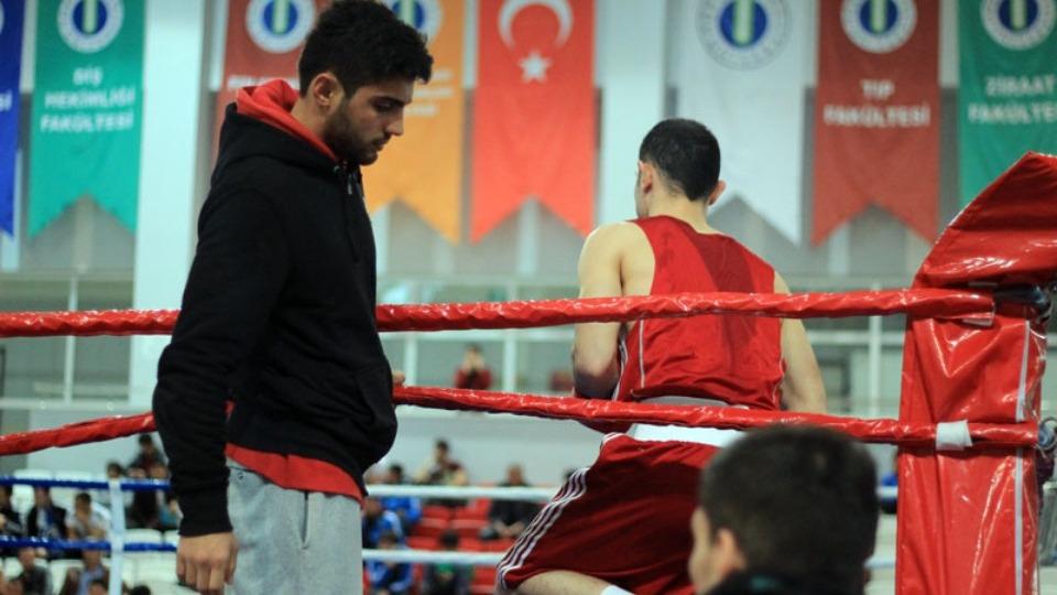 İlahiyatçı boksör Mustafa Öztürk gözünü milli takıma dikti