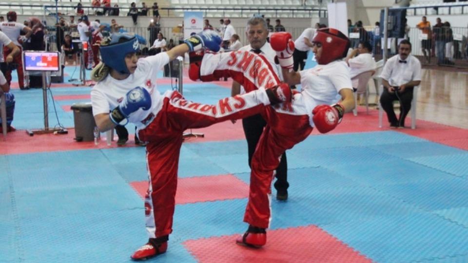 TASKK Kick Boks Şampiyonası Elazığ'da devam ediyor