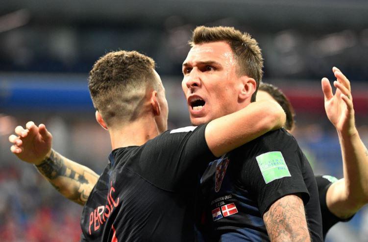 Moskova'da futbolseverler Hırvatistan'ı destekliyor