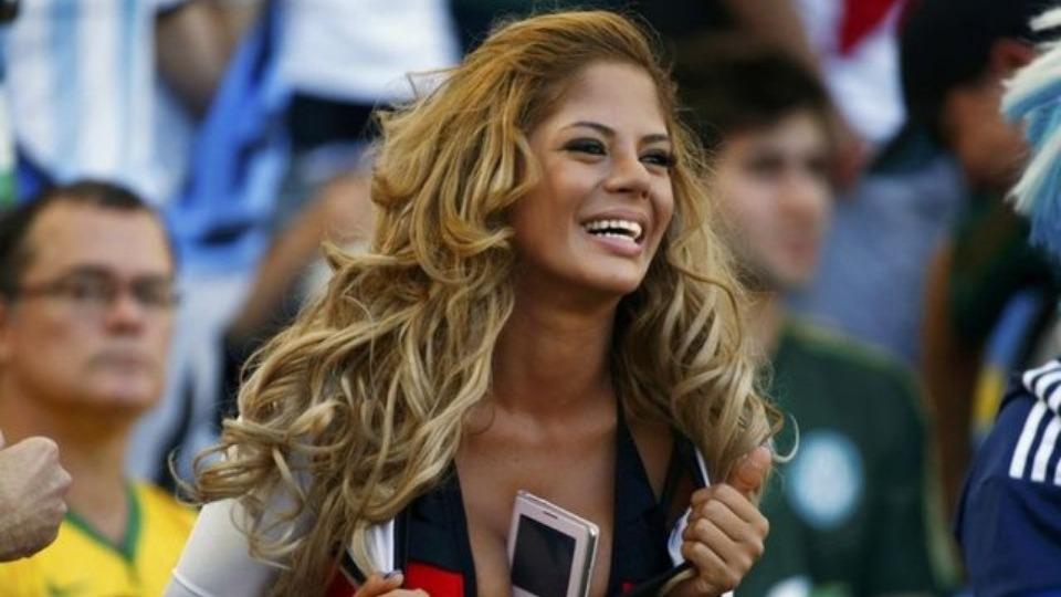 FIFA'dan güzel kadın uyarısı