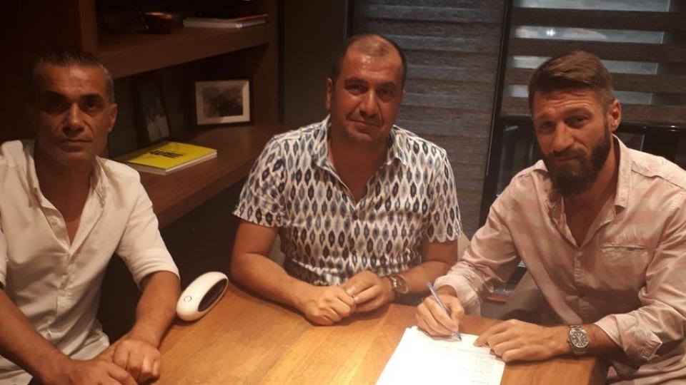 Kardemir Karabükspor, Serdar Özbayraktar'ı kadrosuna kattı