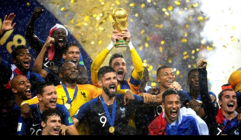 Fransızlar'da şampiyonluk sevinci ülke basında geniş yer buldu...