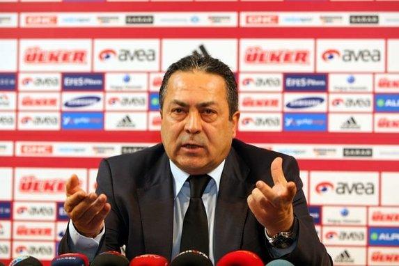 Adnan Sezgin'den Galatasaray'a UEFA'nın uyguladığı yaptırımlar hakkında flaş sözler!