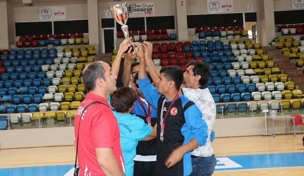 Bolu'da engelli sporculardan kıyasıya mücadele!