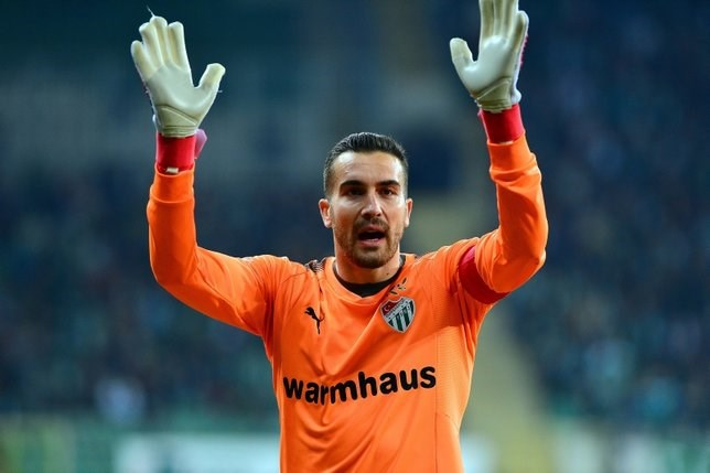 Fenerbahçe'den Bursaspor'a Harun Tekin ve Aziz Behich teklifi!