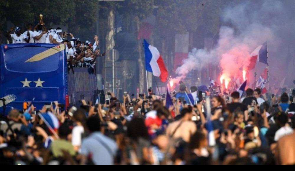Fransa şampiyon oldu ırkçılık tavan yaptı
