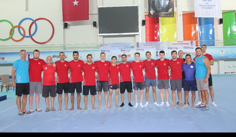 Artistik Cimnastik Milli Takımı Avrupa Şampiyonası'na Mersin'de hazırlanıyor