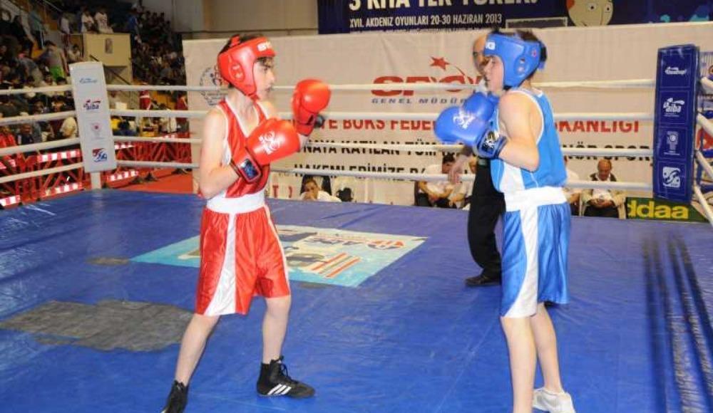 Alt Minikler Türkiye Ferdi Boks Şampiyonası Bayburt'ta başladı