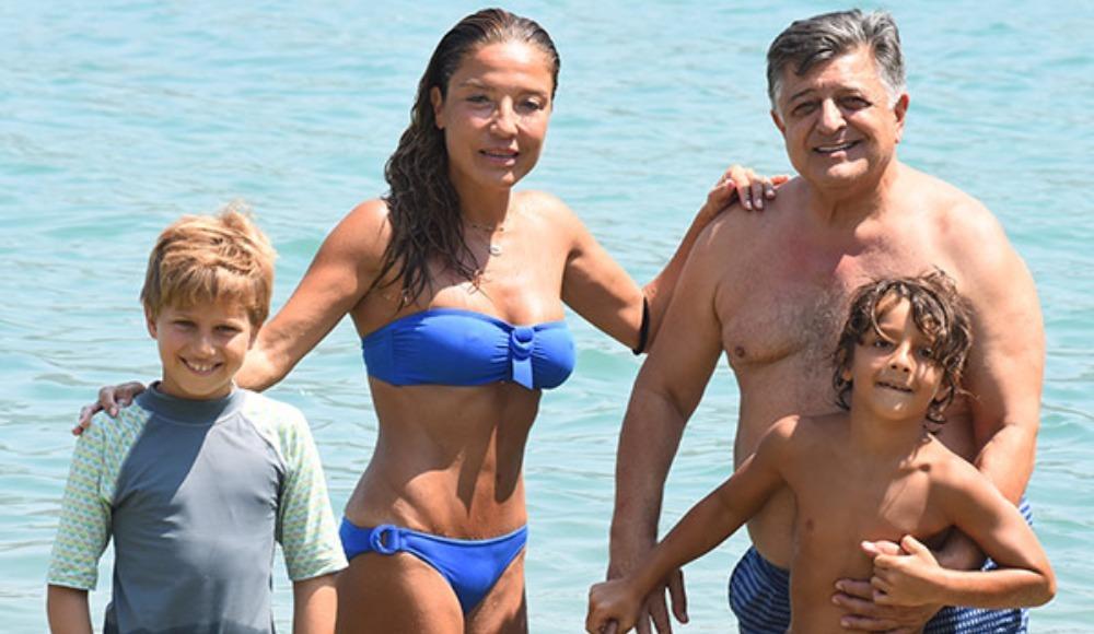 Yılmaz Vural, ikinci eşiyle tatilde!