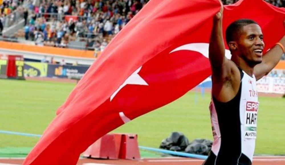 Video - Milli sporcudan İstiklal Marşı!