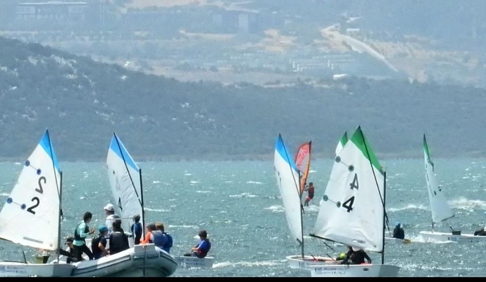 Türkiye Optimist Takım Şampiyonası İzmir'de başladı