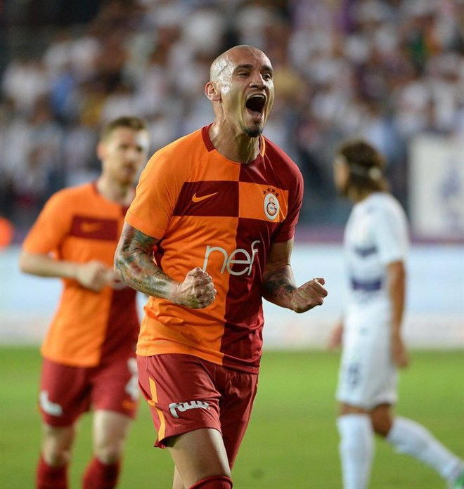 Al Hilal, Maicon transferi için FIFA'ya başvurdu