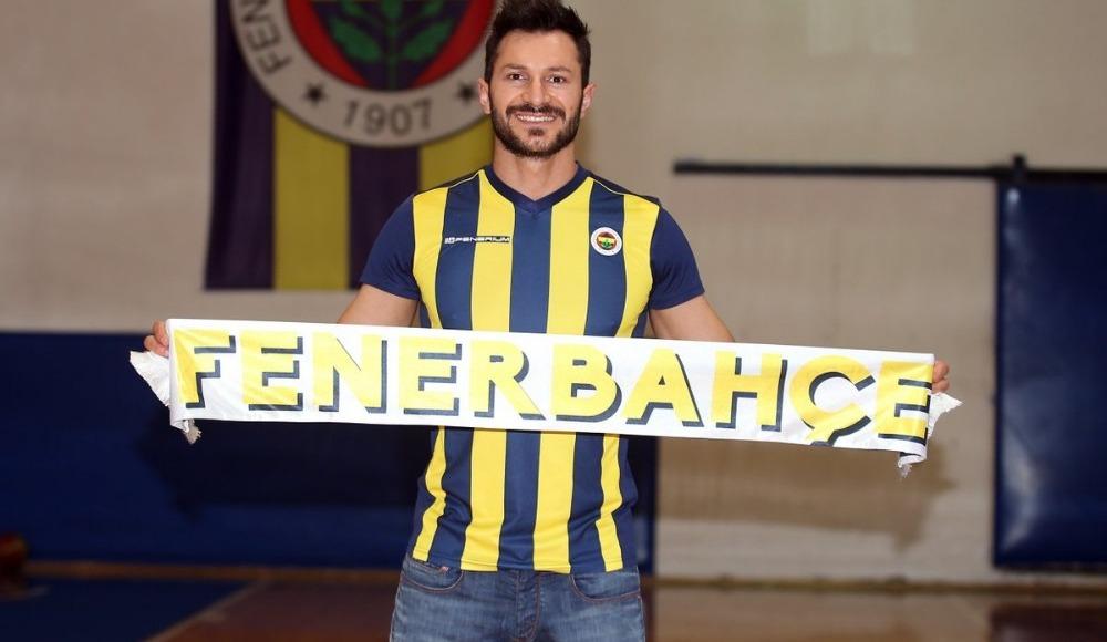 """Emre Batur: """"Fenerbahçe için terimin son damlasına kadar savaşacağım"""""""