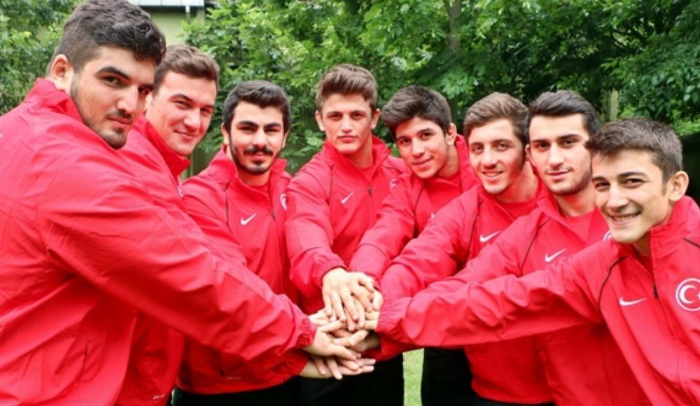 Başkan Aydın'dan, genç güreşçilere ziyaret