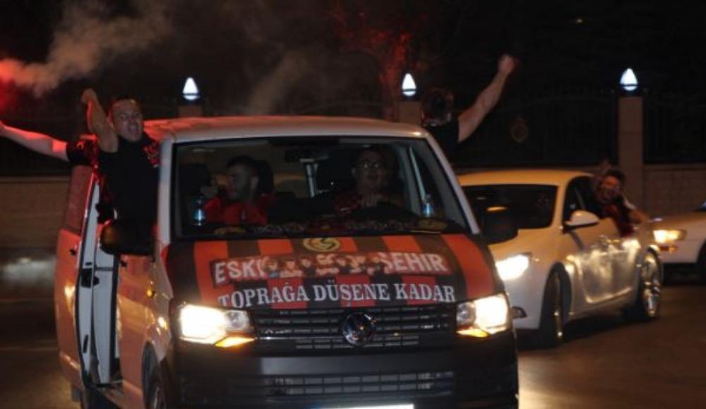 Eskişehirspor'a şampiyon gibi uğurlama