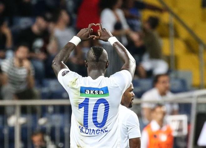 Diagne her maçtan önce 'Bugün 1-2 gol atacağım' diyor