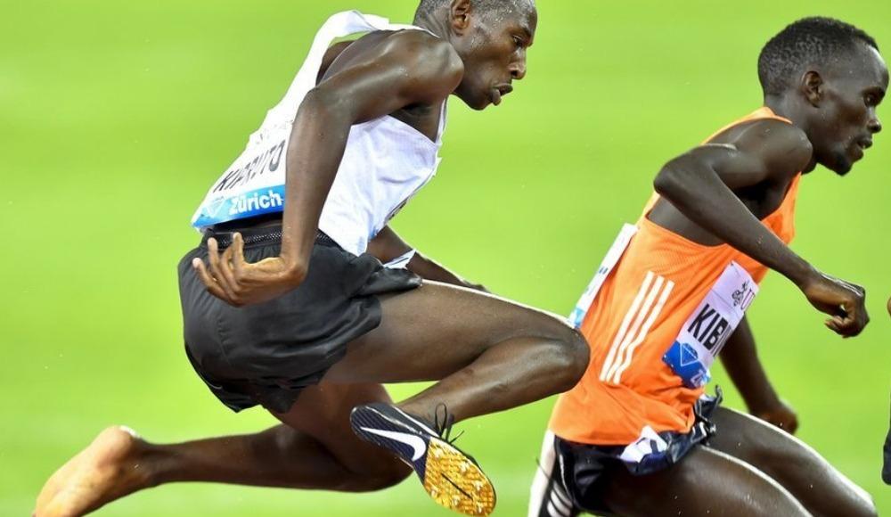 Kenyalı atlet, tek ayağı çıplak halde yarış kazandı: 'Çok ağrım var'
