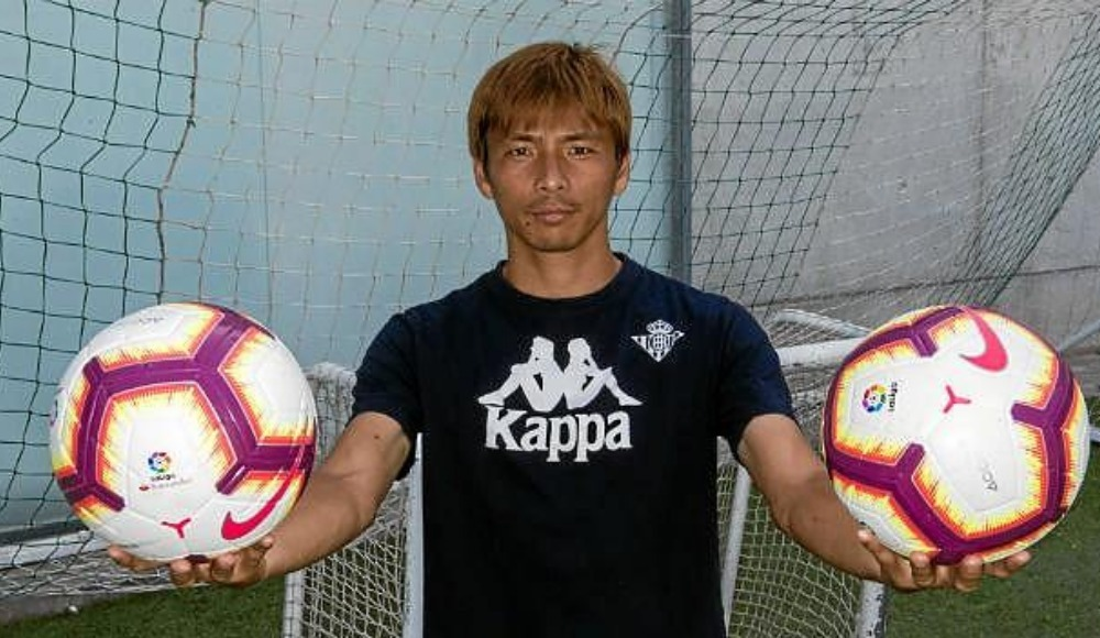 Japon futbolcudan Nagatomo için flaş sözler!