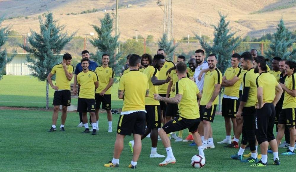 Fenerbahçe basketbol kombineleri satışa çıktı