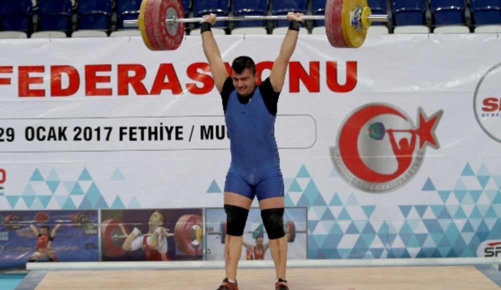 Türkiye Büyükler Ferdi Halter Şampiyonası Niğde'de başladı