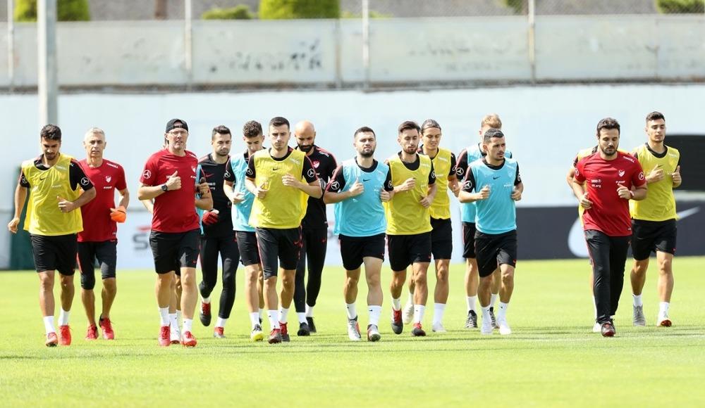 A Milli Futbol Takımı'nda İsveç maçı hazırlıkları başladı