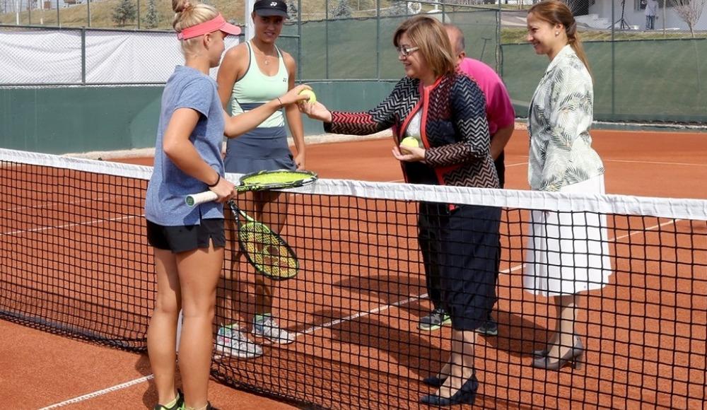 TEB 16 Yaş Türkiye Tenis Şampiyonası, 25 ilden 100 sporcunun katılımıyla başladı