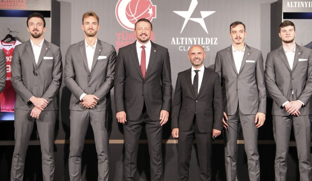 Milli basketbolculara giyim sponsoru!
