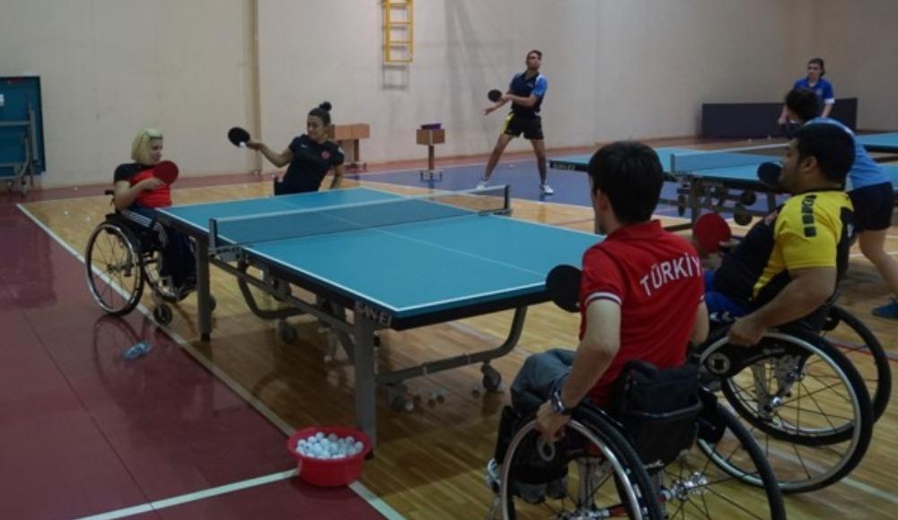 Bedensel engelli masa tenisçiler Dünya Şampiyonası'na hazırlanıyor