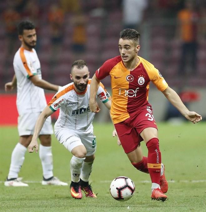 Yunus Akgün transferi ertelendi