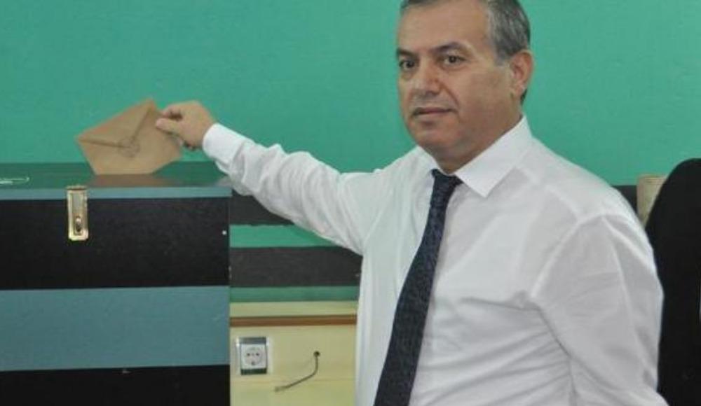 Denizlispor Kulübünün olağanüstü genel kurulunda Mustafa Üstek, tekrar başkanlığa seçildi