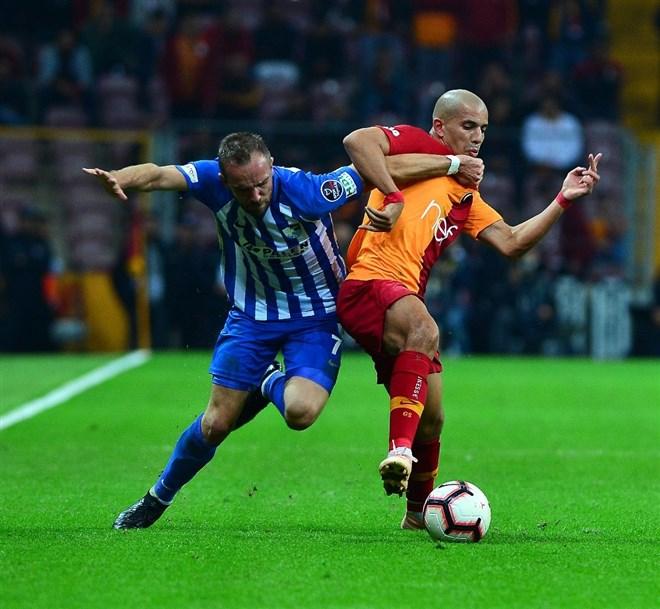 Sofiane Feghouli bu sezon Süper Lig'de ilk kez 11'de oynadı