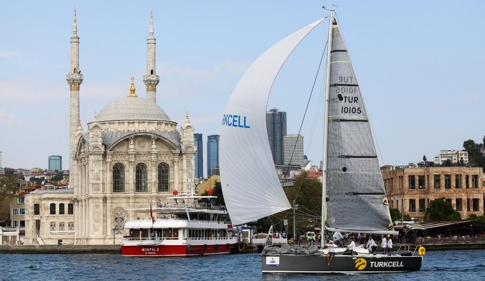 Turkcell Platinum Bosphorus Cup'ın ilk günü İstanbul Boğazı'nda koşuldu