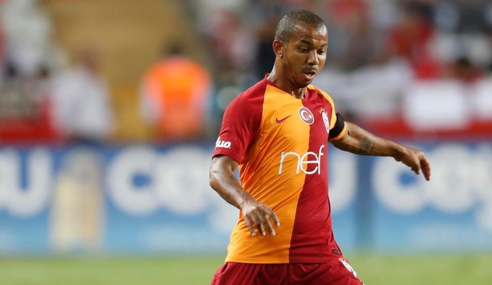 Galatasaray'da Donk stoperde, Mariano sağ açıkta
