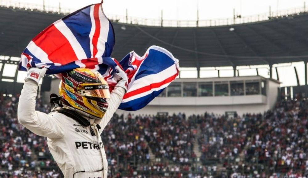 Lewis Hamilton sezonu zaferle kapadı!