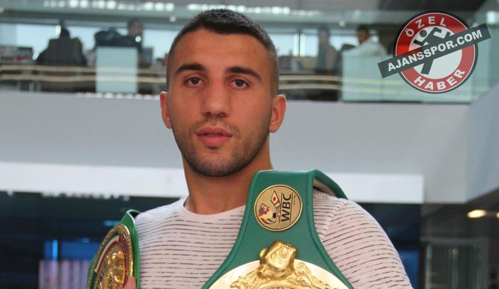 """Avni Yıldırım: """"Bir Türk boksörün altın kemer alması dünyaya bedel"""""""