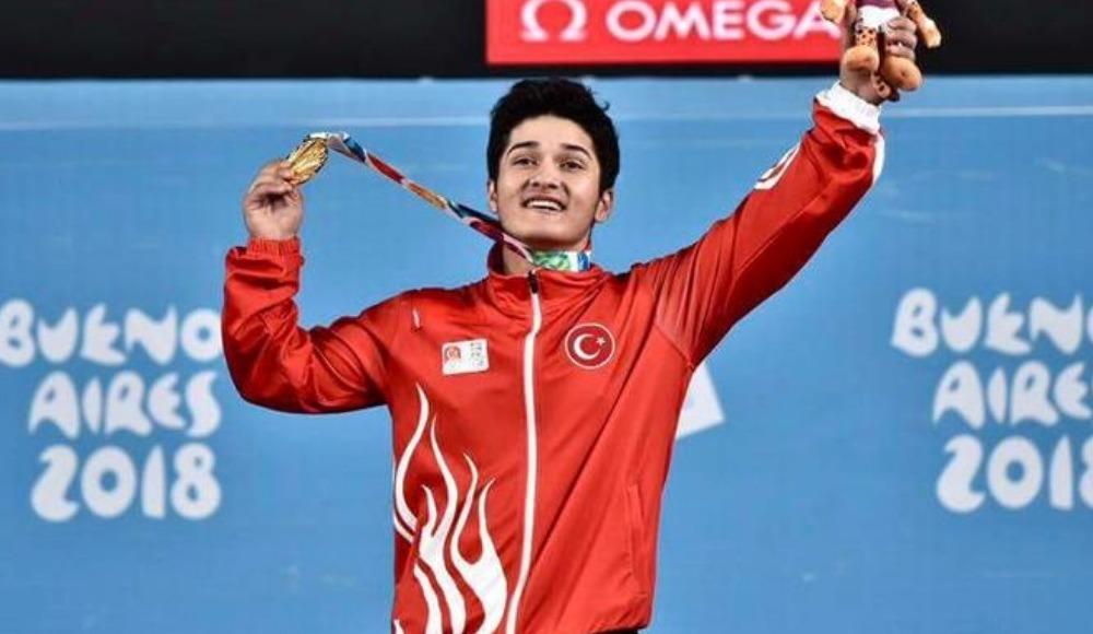 Milli halterci Muhammed Furkan Özbek, altın madalya kazandı