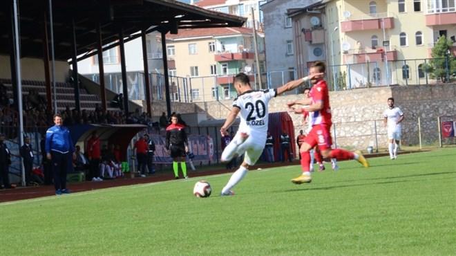 Niğde Anadolu FK, evinde Kastamonuspor 1966'ya 2-1 mağlup oldu
