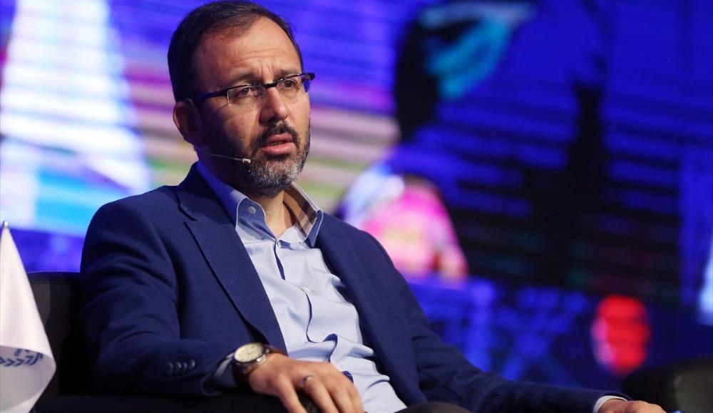 Gençlik ve Spor Bakanı Kasapoğlu tribünde
