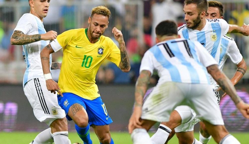 Brezilya, hazırlık maçında Arjantin'i son dakika golüyle yendi