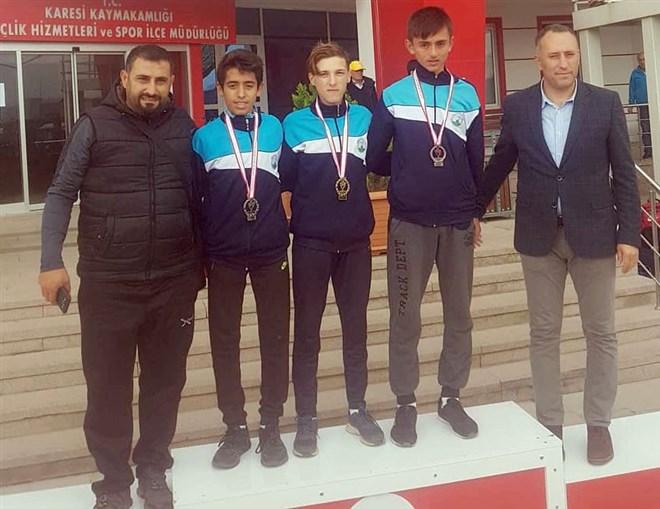 Osmangazili atletlerin madalya sevinci