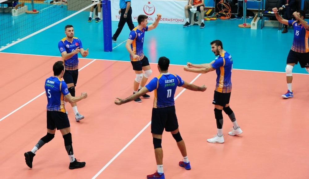 İstanbul Büyükşehir Belediyespor, sahasında Arhavi Belediyespor'u 3-2 yendi